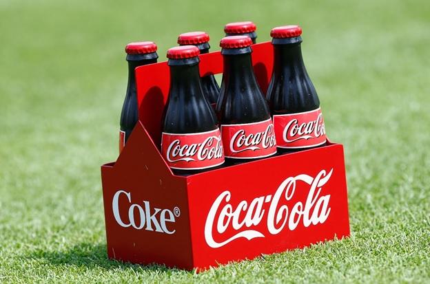 А если принять решение, и купить акции Coca-Cola – то с их помощью можно сохранить свои сбережения или даже приумножить их.