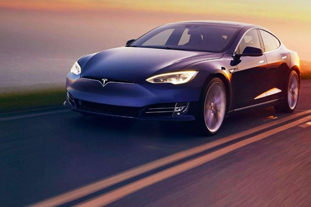 Стоит ли купить акции Tesla?